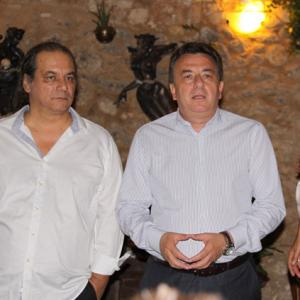 Mr. Stavros Arnaoutakis between Christos and Eva